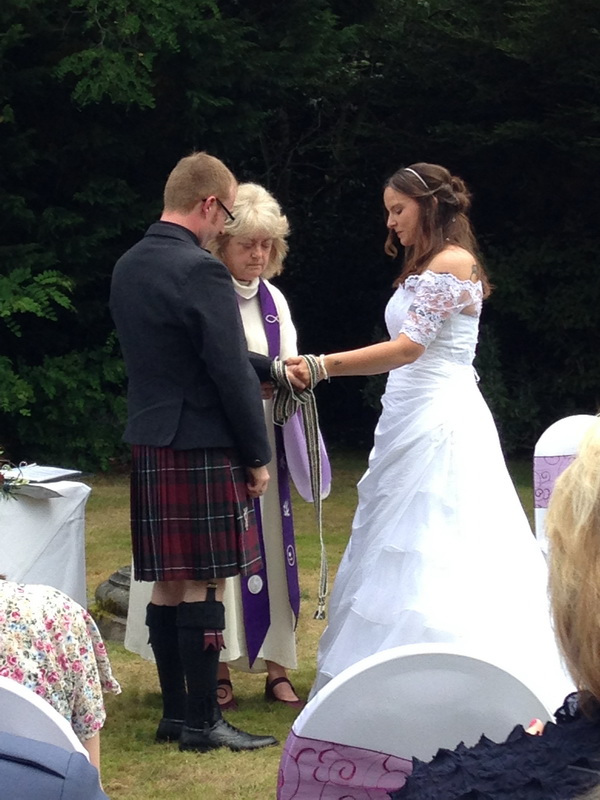 Ute and Jamie, garden wedding in Inverness, Highland